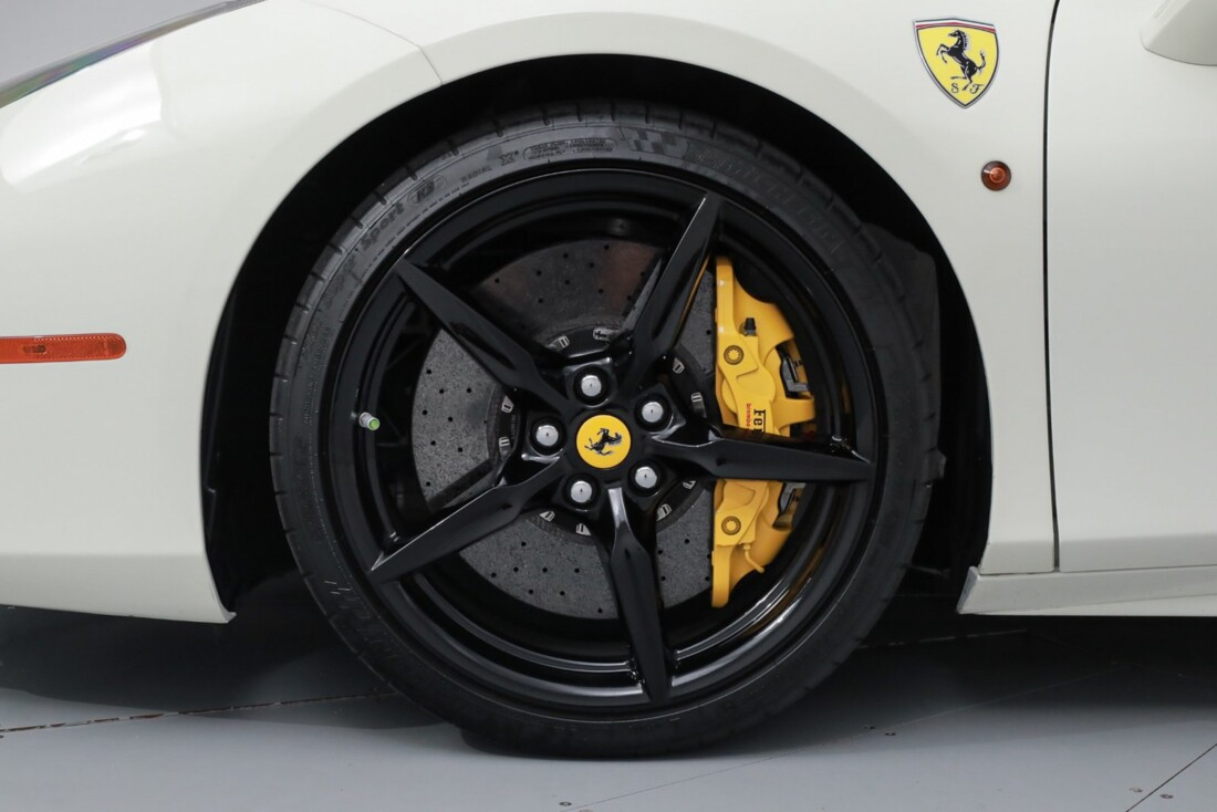 2018 Ferrari 488 GTB image _611cb03bbbb019.10505128.jpg