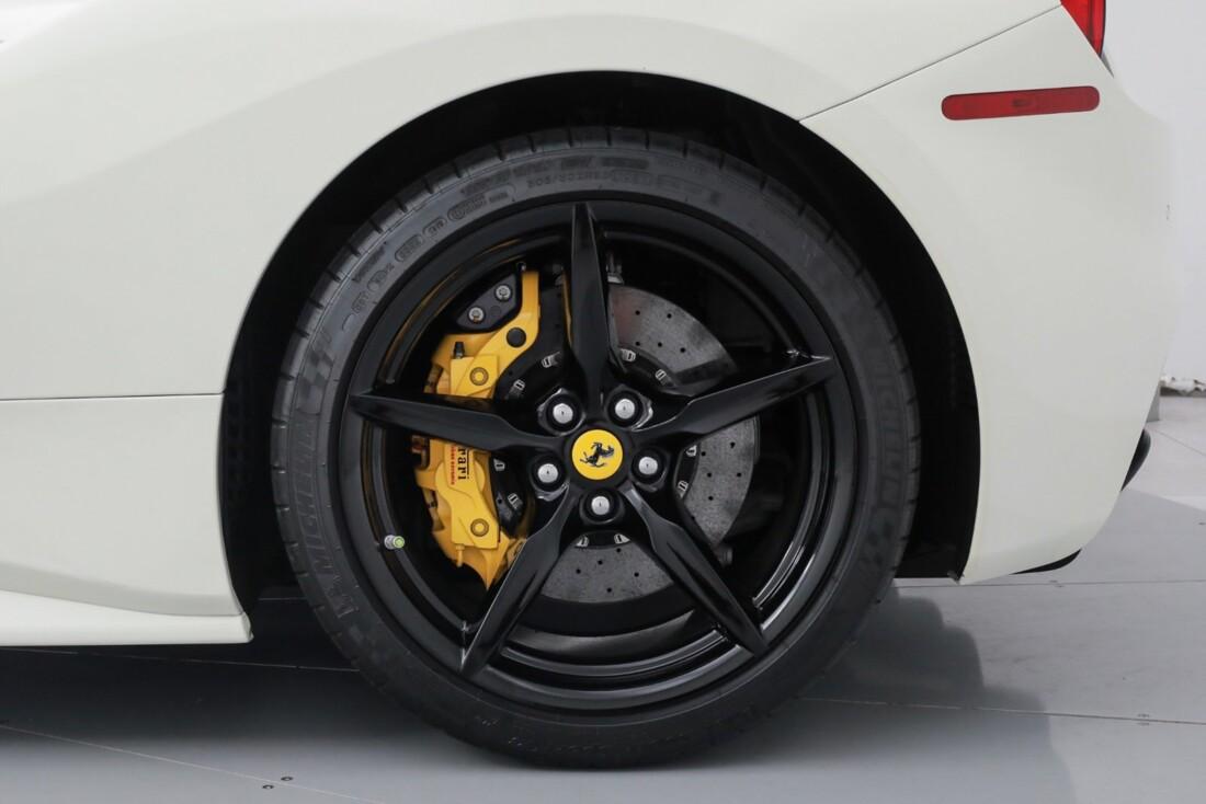2018 Ferrari 488 GTB image _611cb03c76e570.76138189.jpg