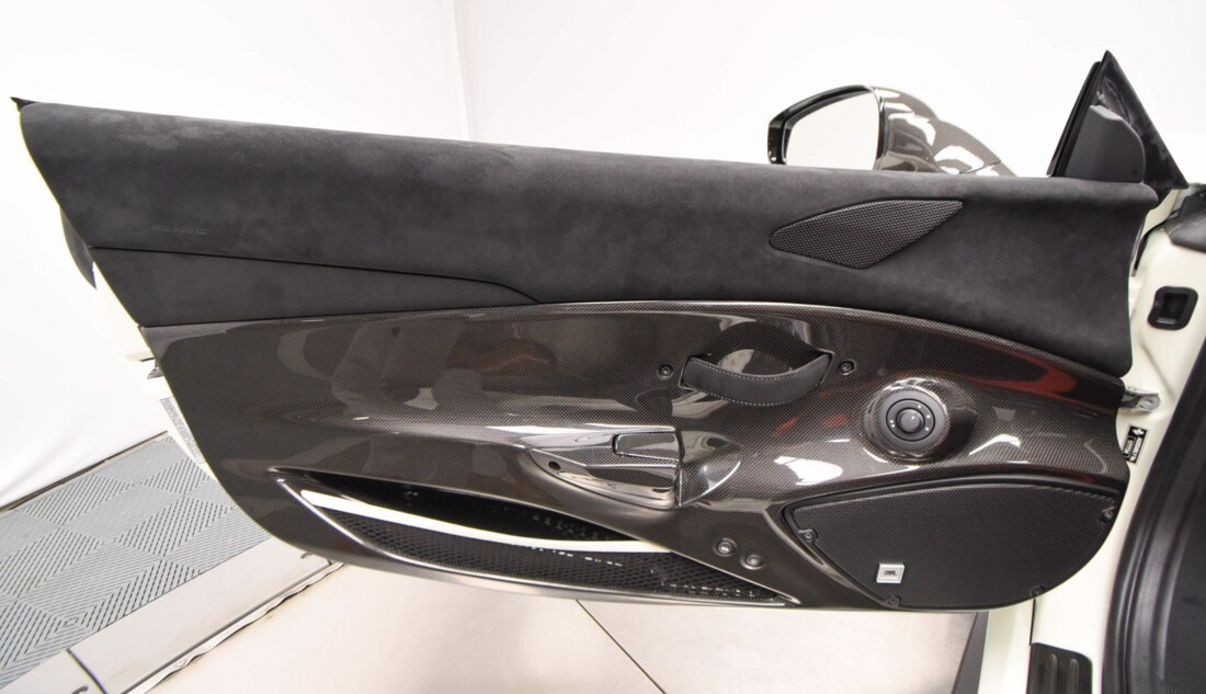 2020 Ferrari 488 Pista Spider image _611cb269c74960.36764517.jpg