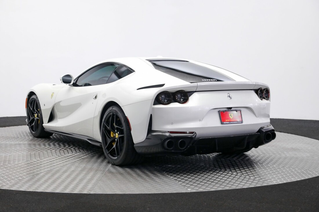 2020 Ferrari 812 Superfast image _6125eafa1933b4.51179646.jpg