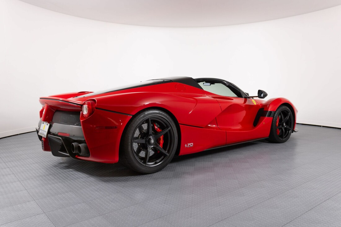 2017 Ferrari La Aperta image _6125eb3b58a979.77533480.jpg