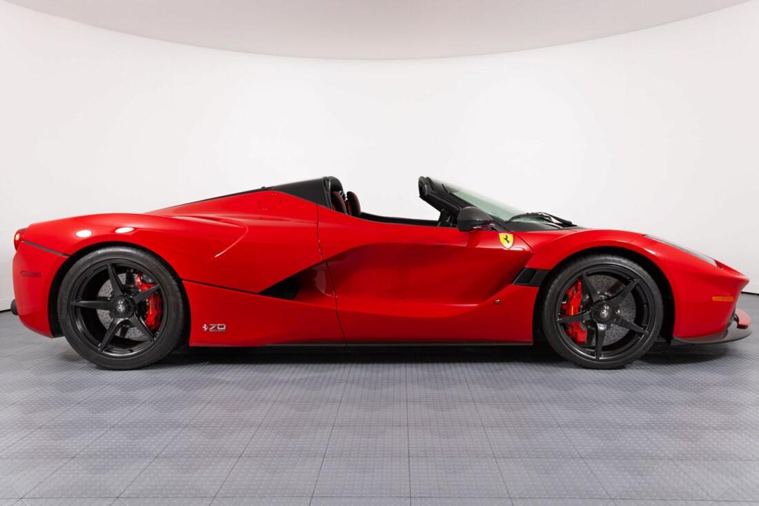 2017 Ferrari La Aperta image _6125eb4244e158.65595755.jpg