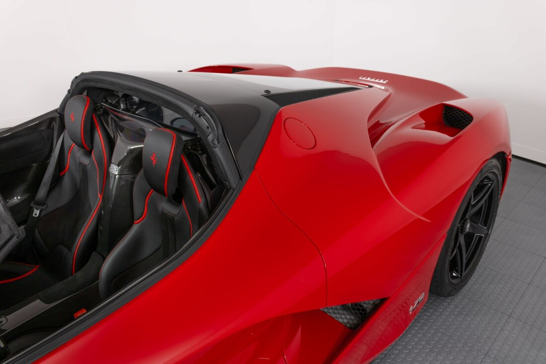2017 Ferrari La Aperta image _6125eb53c99129.81922000.jpg