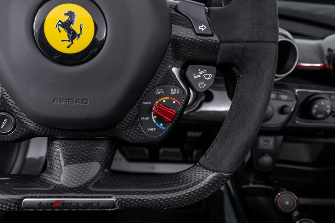 2017 Ferrari La Aperta image _6125eb7735da53.96640740.jpg