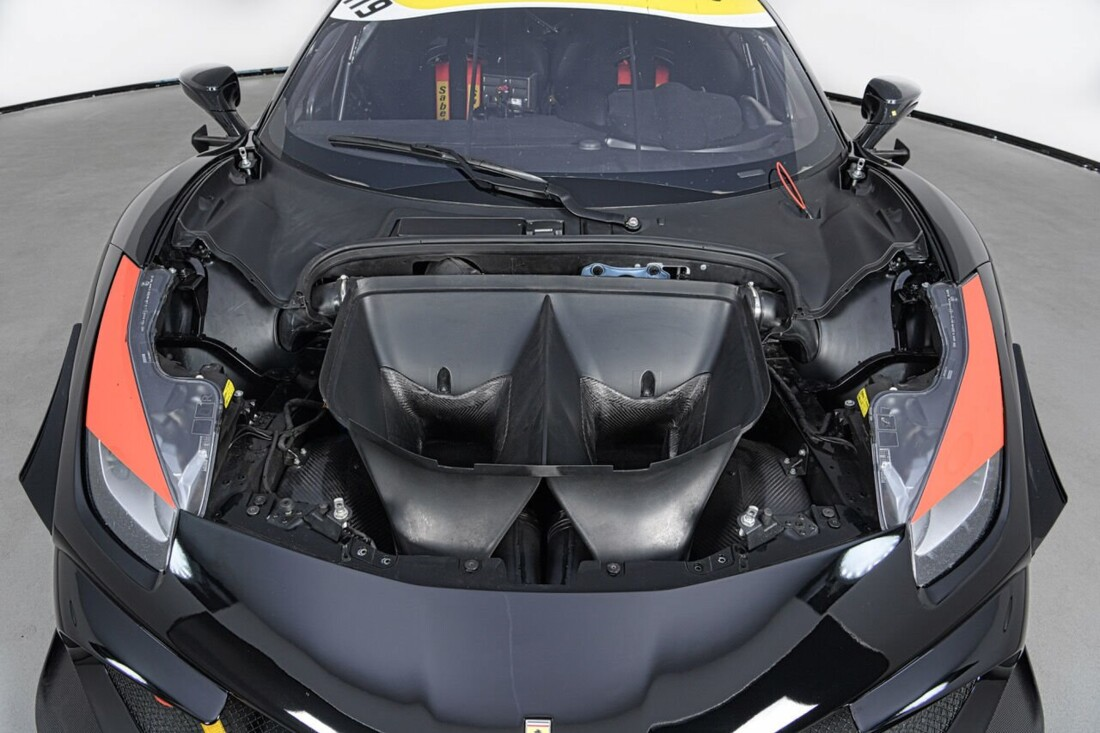 2017 Ferrari 488 Challenge image _6125ebefa5b907.44912548.jpg