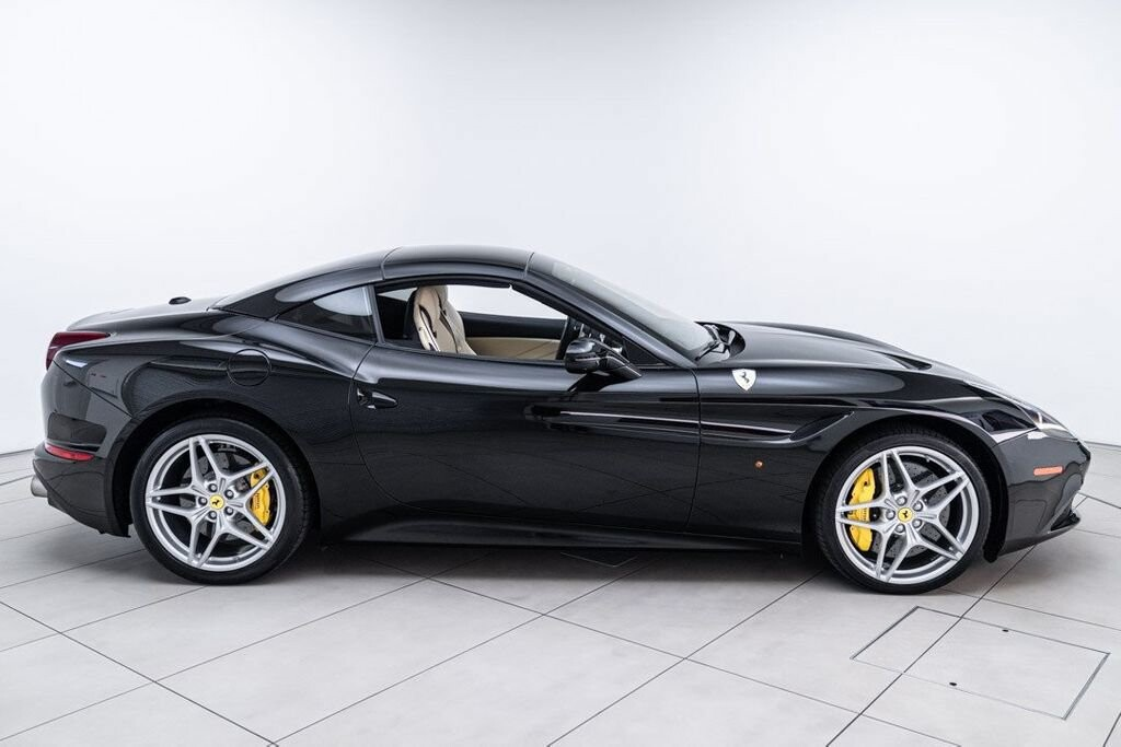 2016 Ferrari  California image _6125ec1e35b178.68432993.jpg