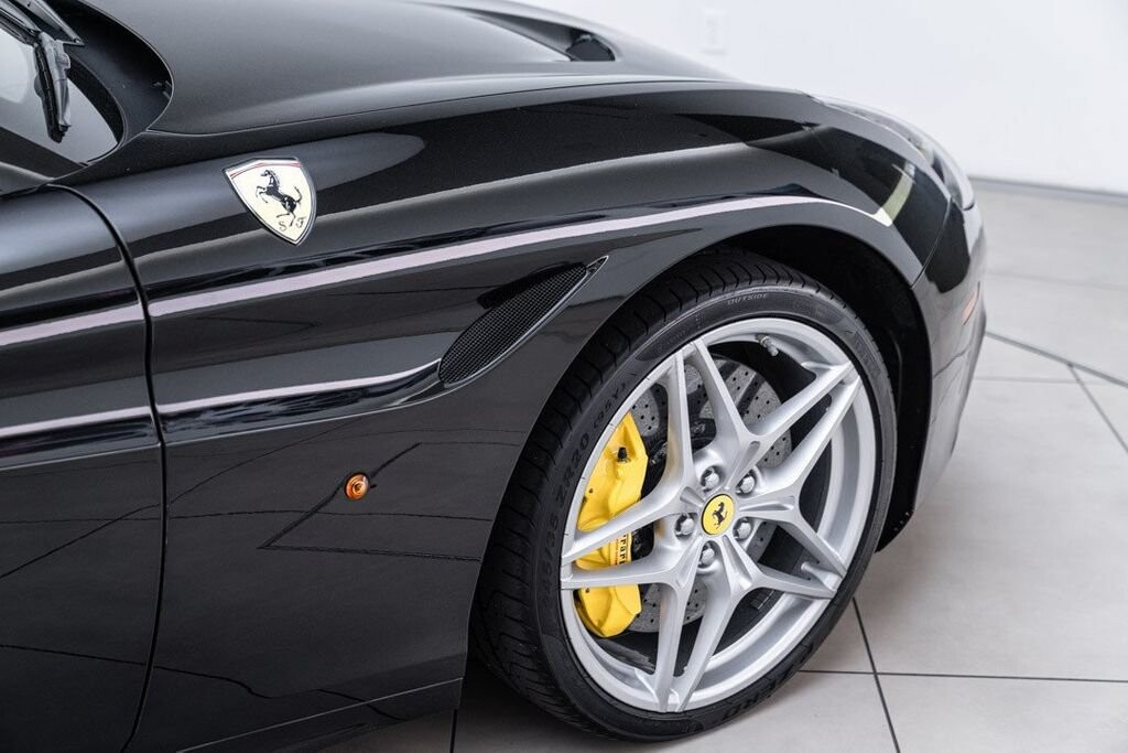 2016 Ferrari  California image _6125ec1ec78945.00357974.jpg
