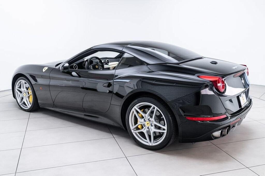 2016 Ferrari  California image _6125ec2172f0a8.82164278.jpg