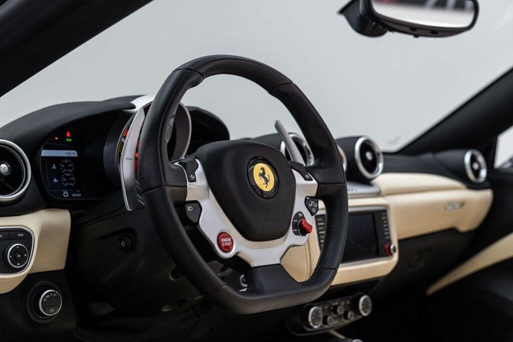 2016 Ferrari  California image _6125ec2ebbf417.30238221.jpg