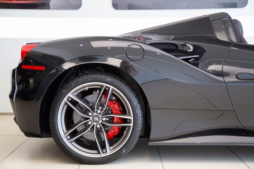 2019 Ferrari 488 Spider image _61273e223e37d9.93200289.jpg