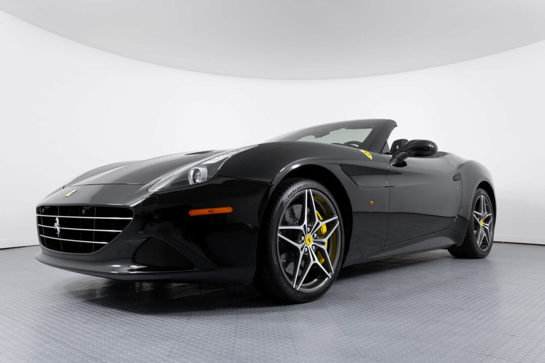 2016 Ferrari  California image _612b3084aee198.09209834.jpg
