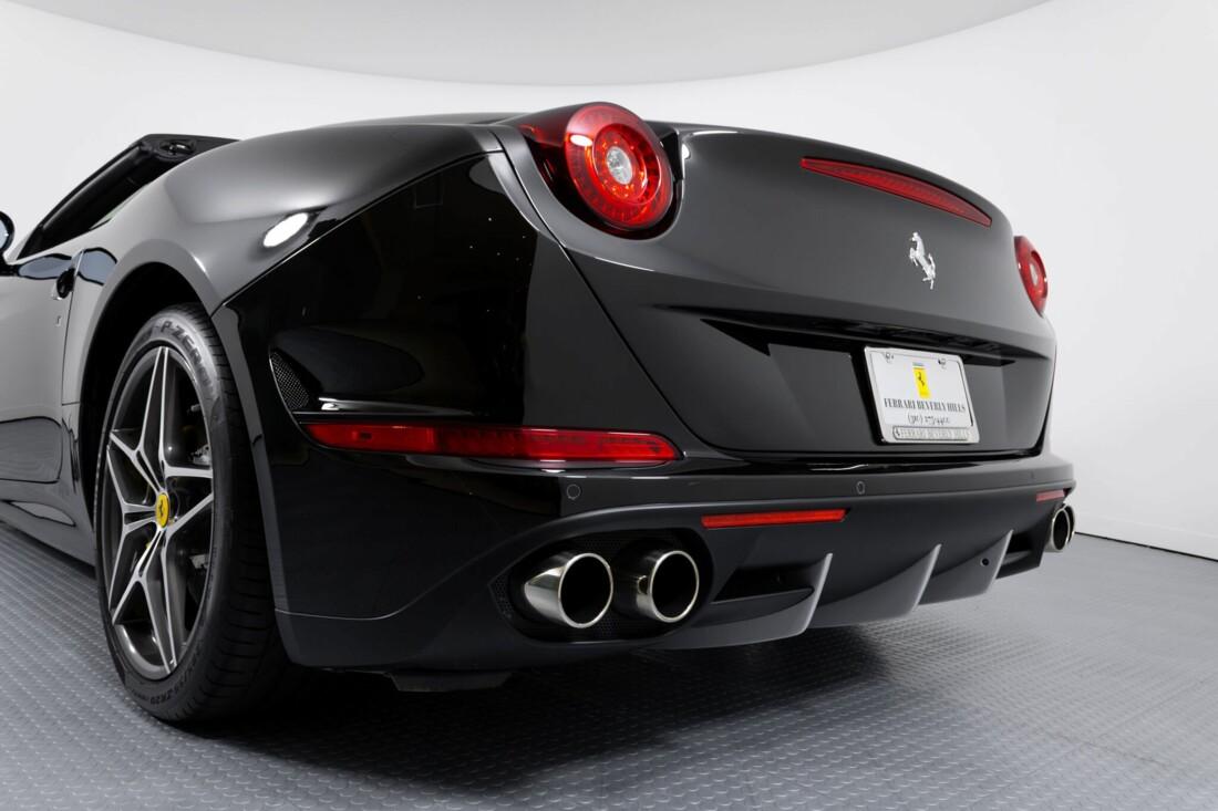 2016 Ferrari  California image _612b3087d0c615.52176980.jpg