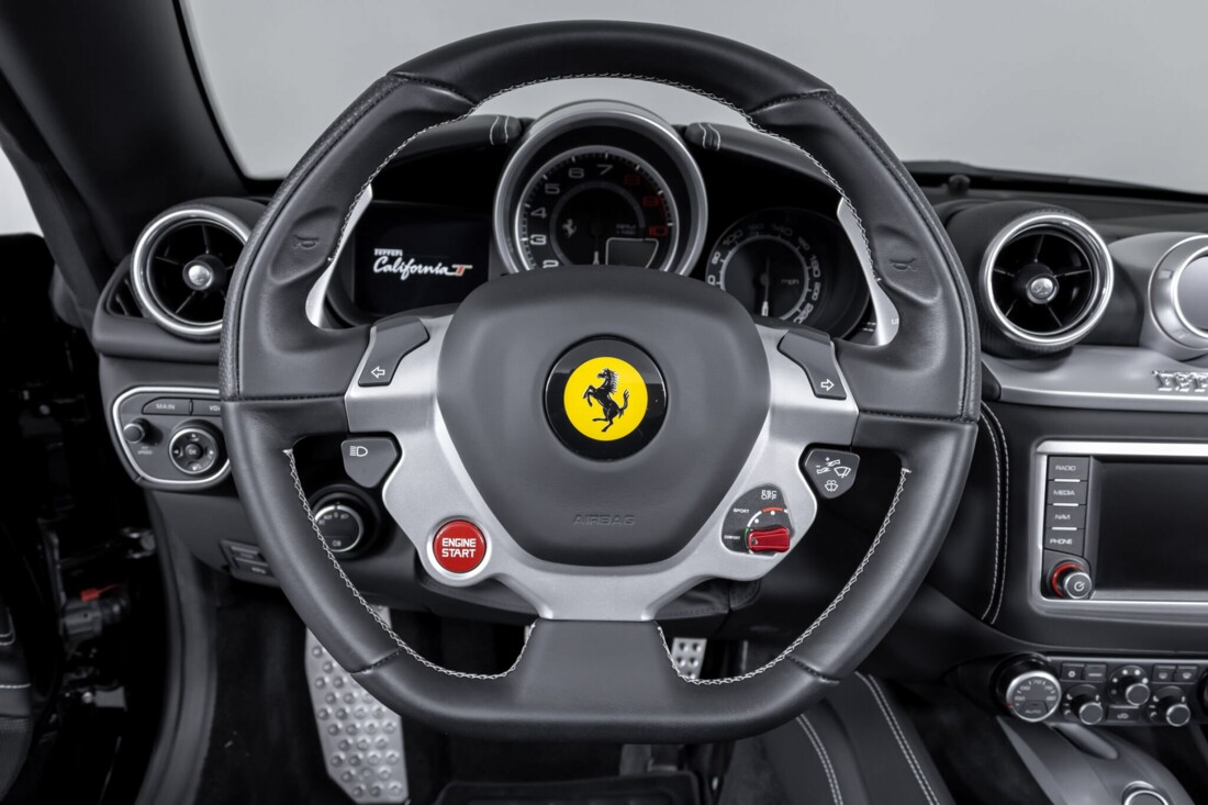 2016 Ferrari  California image _612b30934e9070.03519420.jpg
