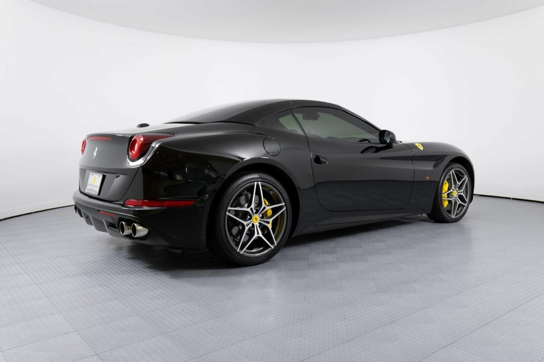 2016 Ferrari  California image _612b30c7a14114.56381187.jpg