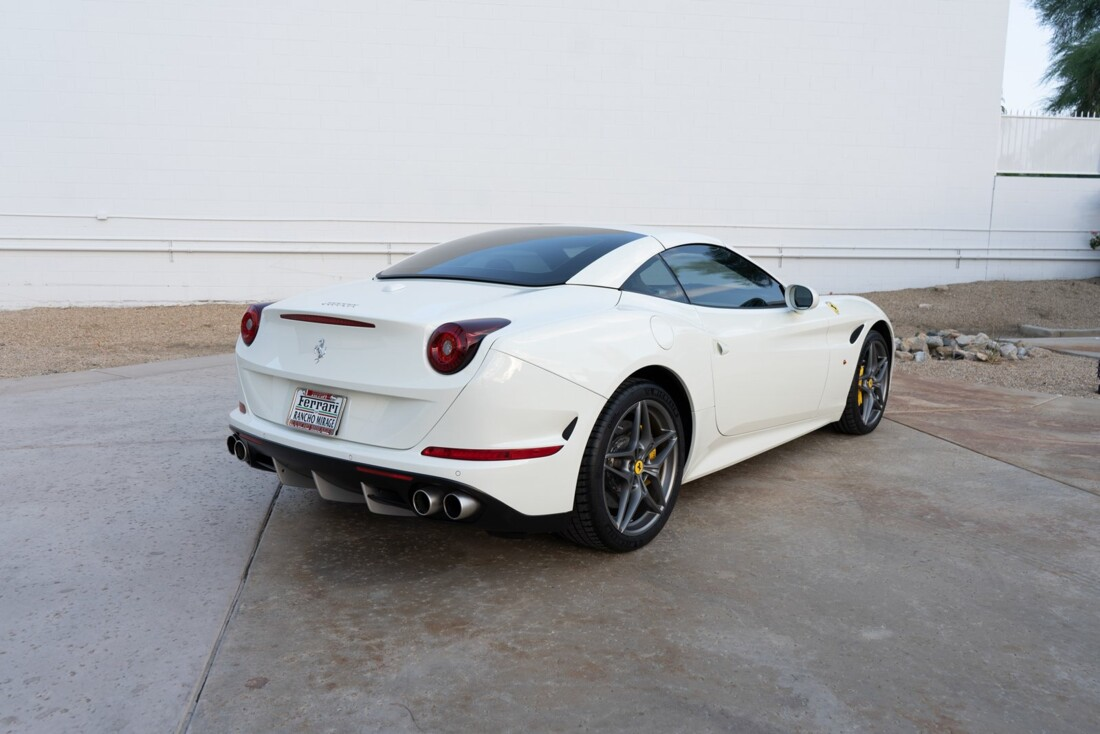 2016 Ferrari  California T image _612c8216033646.92180213.jpg