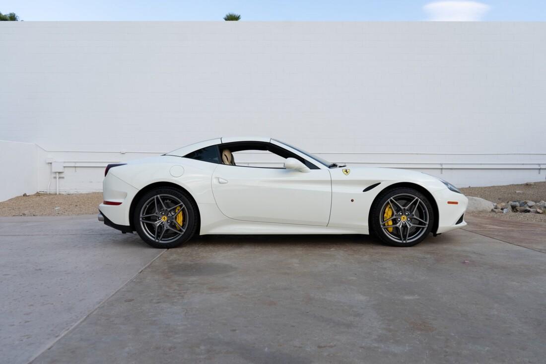 2016 Ferrari  California T image _612c8217897176.44280723.jpg
