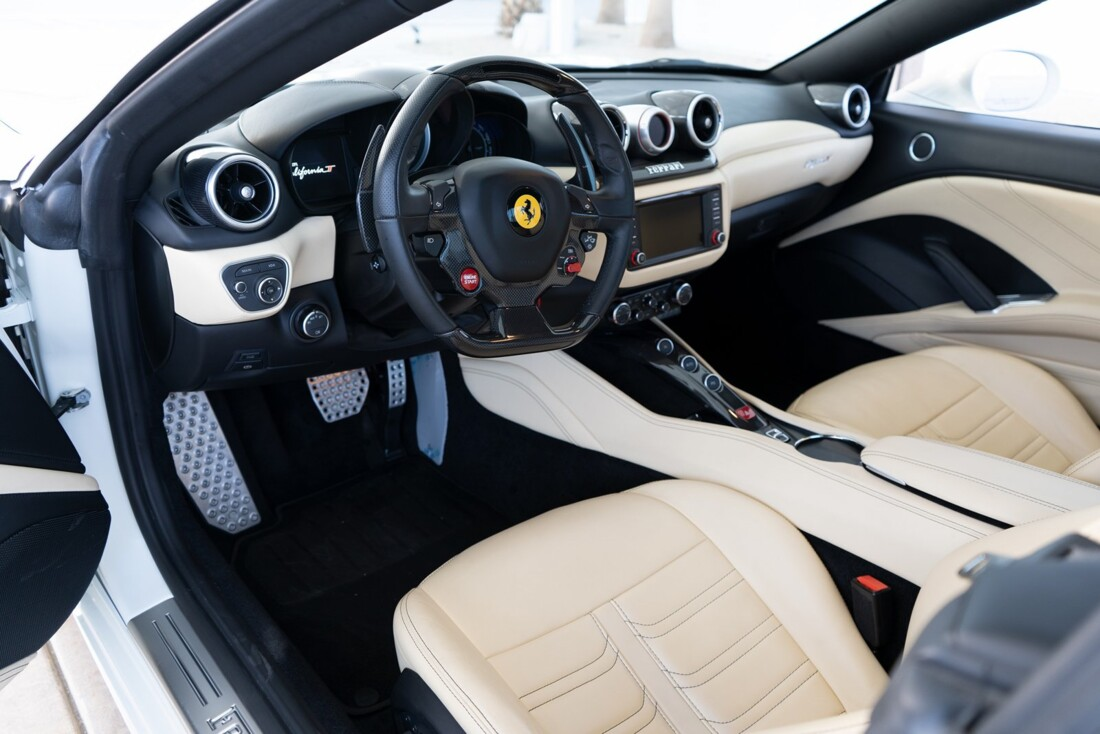 2016 Ferrari  California T image _612c821a7e6933.45396269.jpg