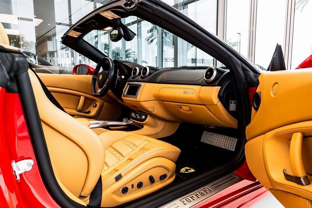 2014 Ferrari  California image _612dd3af8f0e74.15523590.jpg