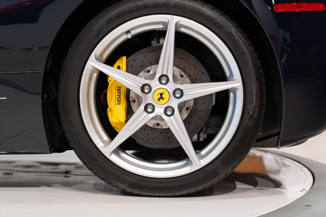 2012 Ferrari 458 Spider image _612f263867b527.80435017.jpg