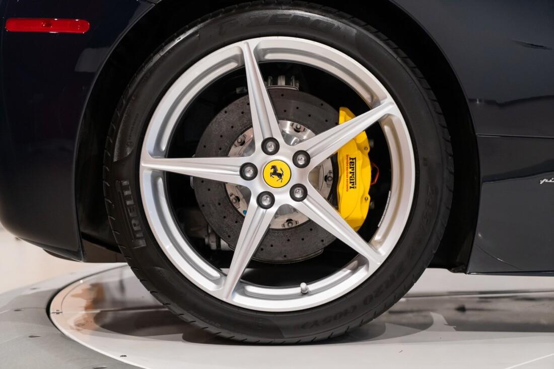2012 Ferrari 458 Spider image _612f2639433018.27931358.jpg