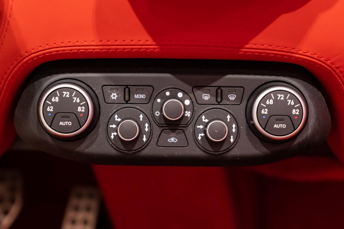 2012 Ferrari 458 Spider image _612f2649050420.10490666.jpg