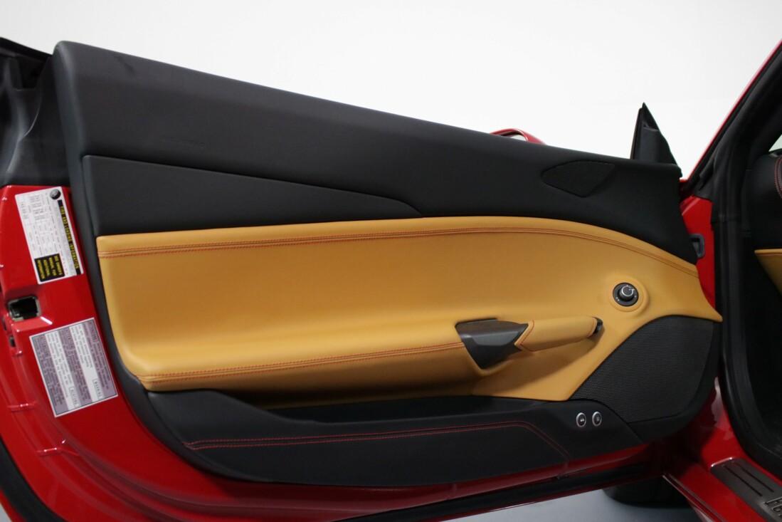 2016 Ferrari 488 GTB image _61308f8c25b9e1.57431354.jpg