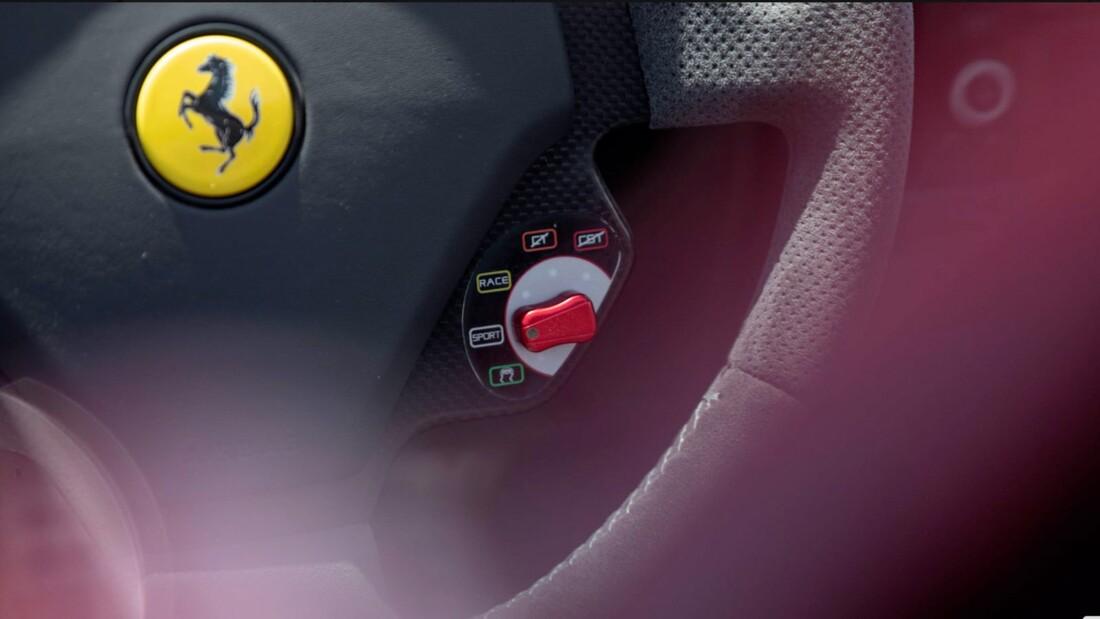 2009 Ferrari Scuderia Spider 16M image _6131c9233c5da7.79319469.jpg