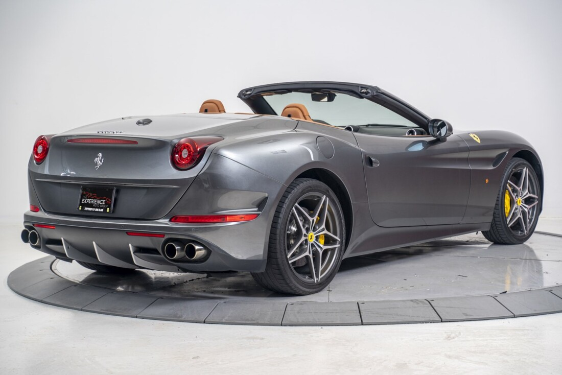 2016 Ferrari  California T image _61331b0fcda532.55887137.jpg