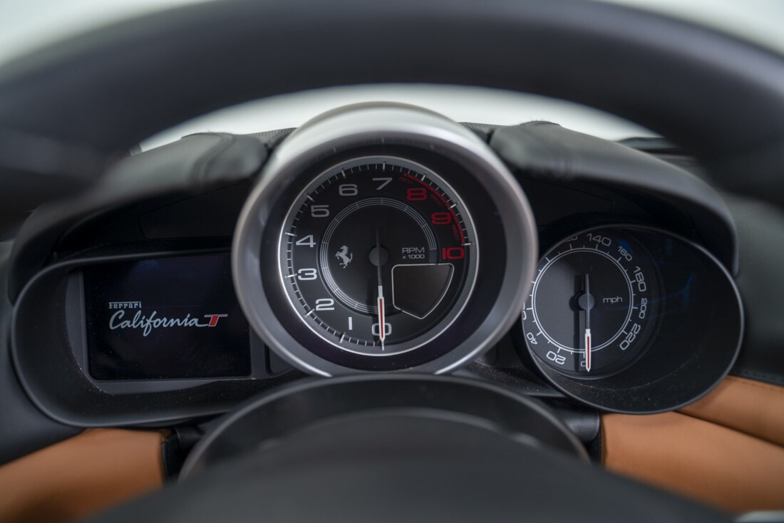 2016 Ferrari  California T image _61331b200eca96.30467924.jpg