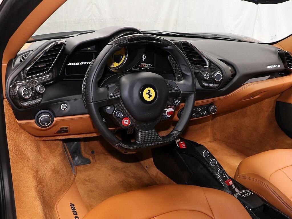 2017 Ferrari 488 GTB image _613b0274470151.99421105.jpg