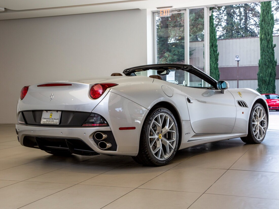 2010 Ferrari  California image _613c54bb47b073.16848706.jpg