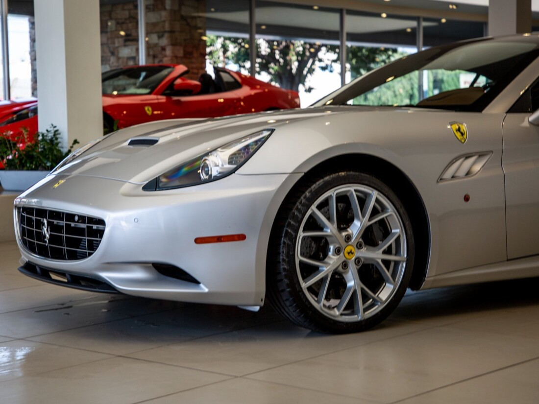 2010 Ferrari  California image _613c54bc19eab6.18068442.jpg