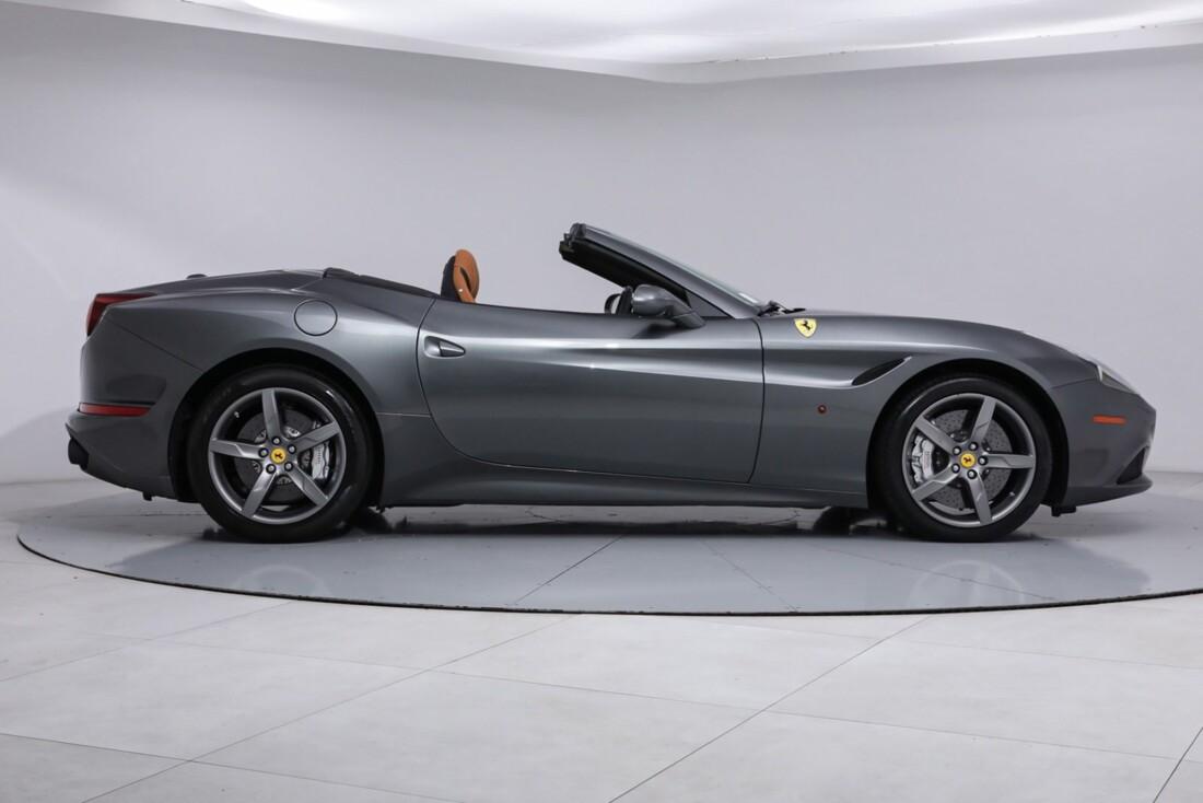 2017 Ferrari  California image _613da5d3105429.06796740.jpg