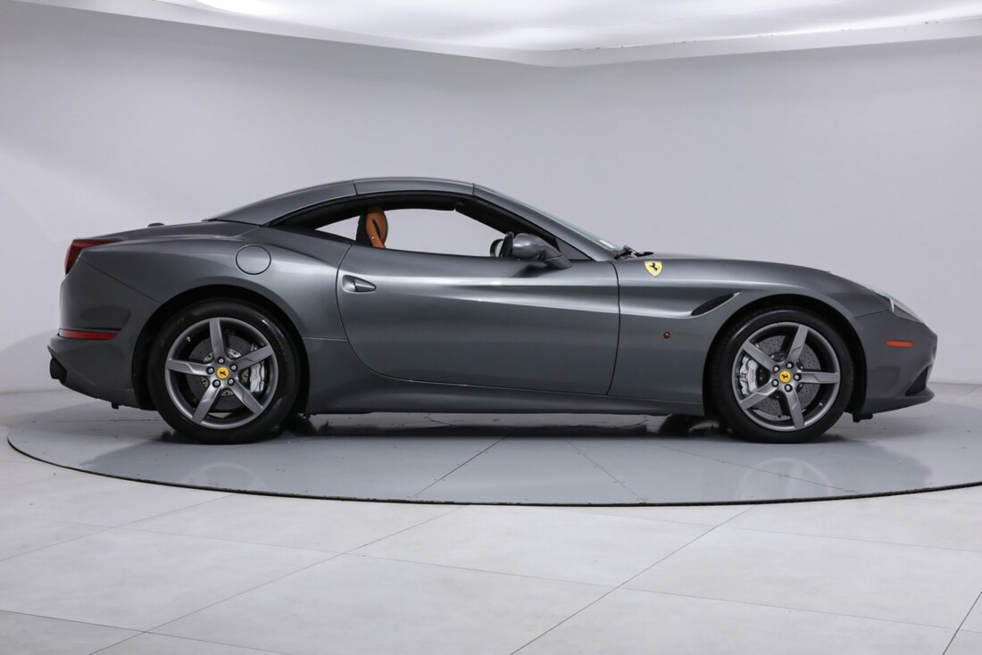 2017 Ferrari  California image _613da5d39a0de6.51914184.jpg
