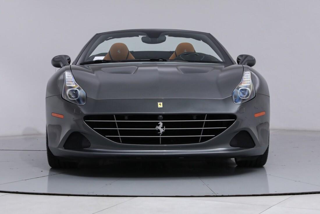 2017 Ferrari  California image _613da5d4a63646.46437476.jpg
