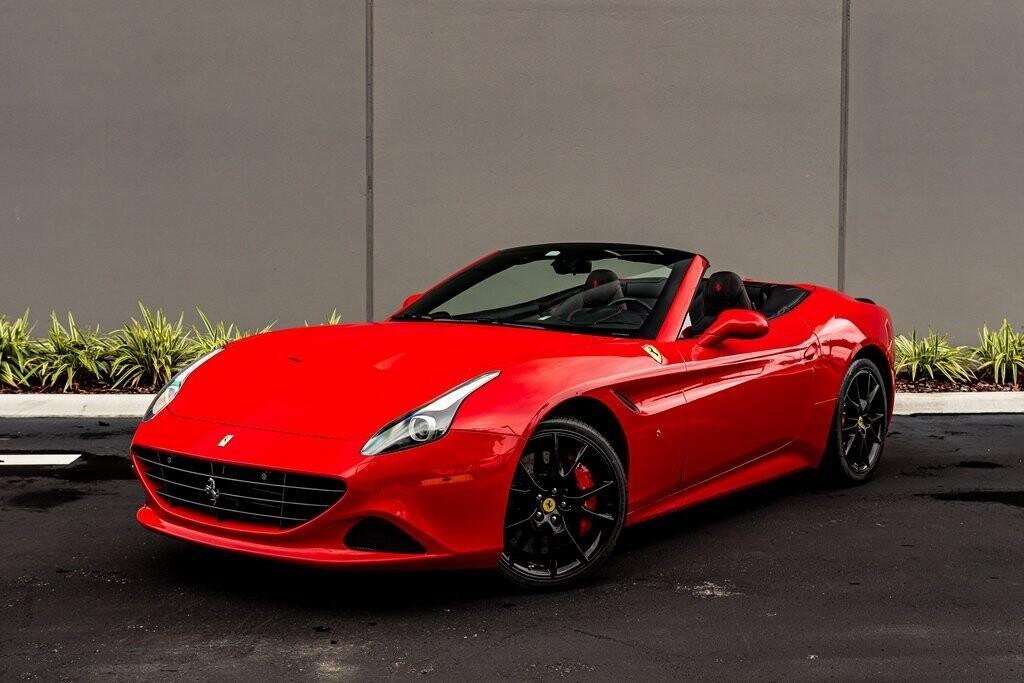 2017 Ferrari  California T image _61419abca182a9.63824469.jpg