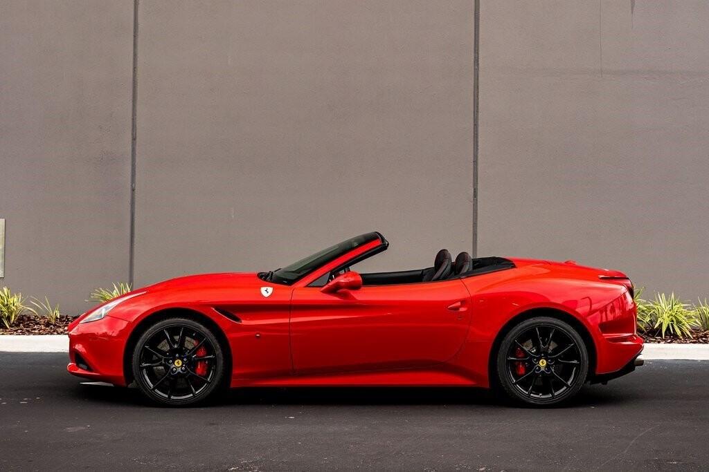 2017 Ferrari  California T image _61419abd127206.04514846.jpg