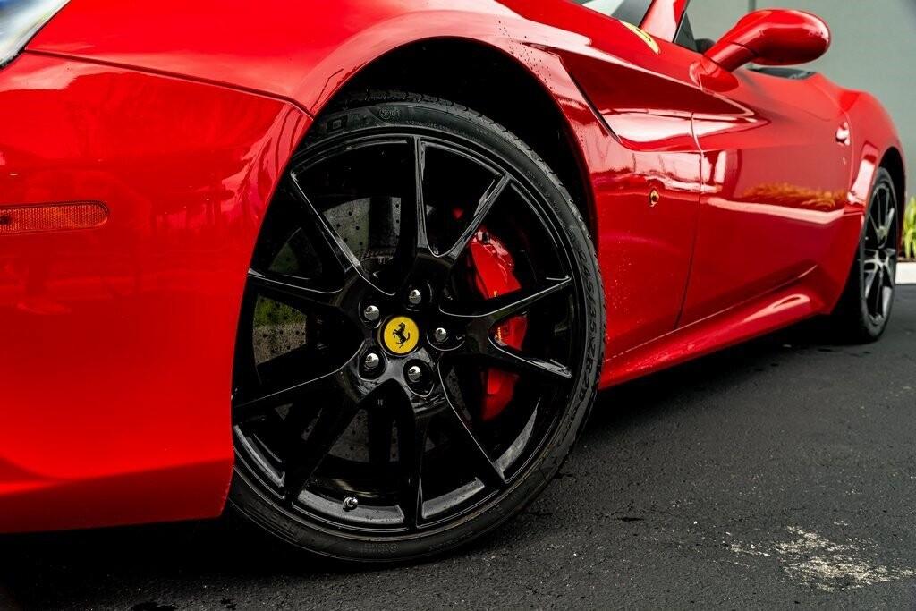 2017 Ferrari  California T image _61419ac0a986a3.08487292.jpg