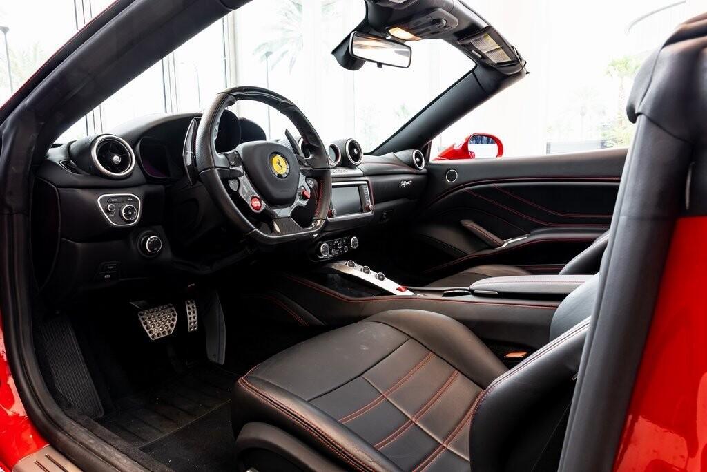 2017 Ferrari  California T image _61419ac1bfbeb6.65258468.jpg