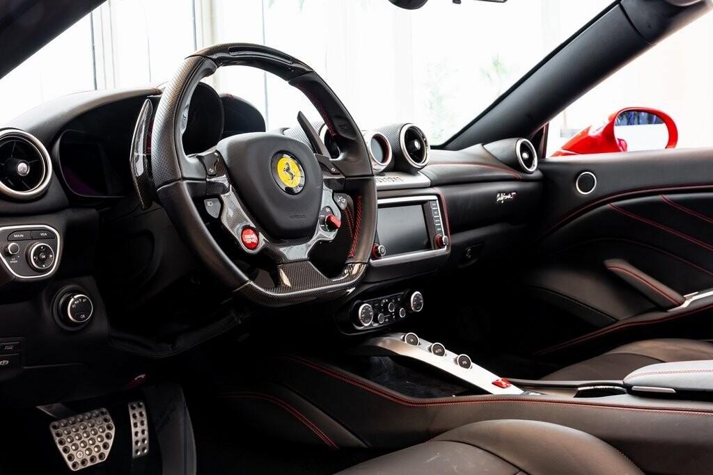 2017 Ferrari  California T image _61419ac232c529.95745399.jpg