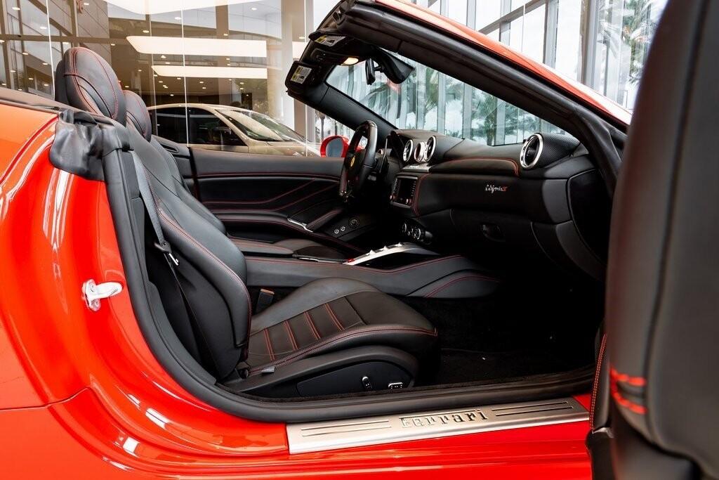 2017 Ferrari  California T image _61419ac448d711.95775486.jpg
