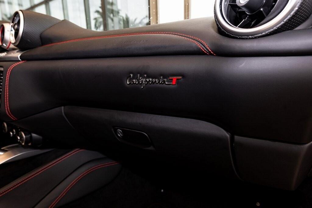 2017 Ferrari  California T image _61419ac55b6da1.94996136.jpg