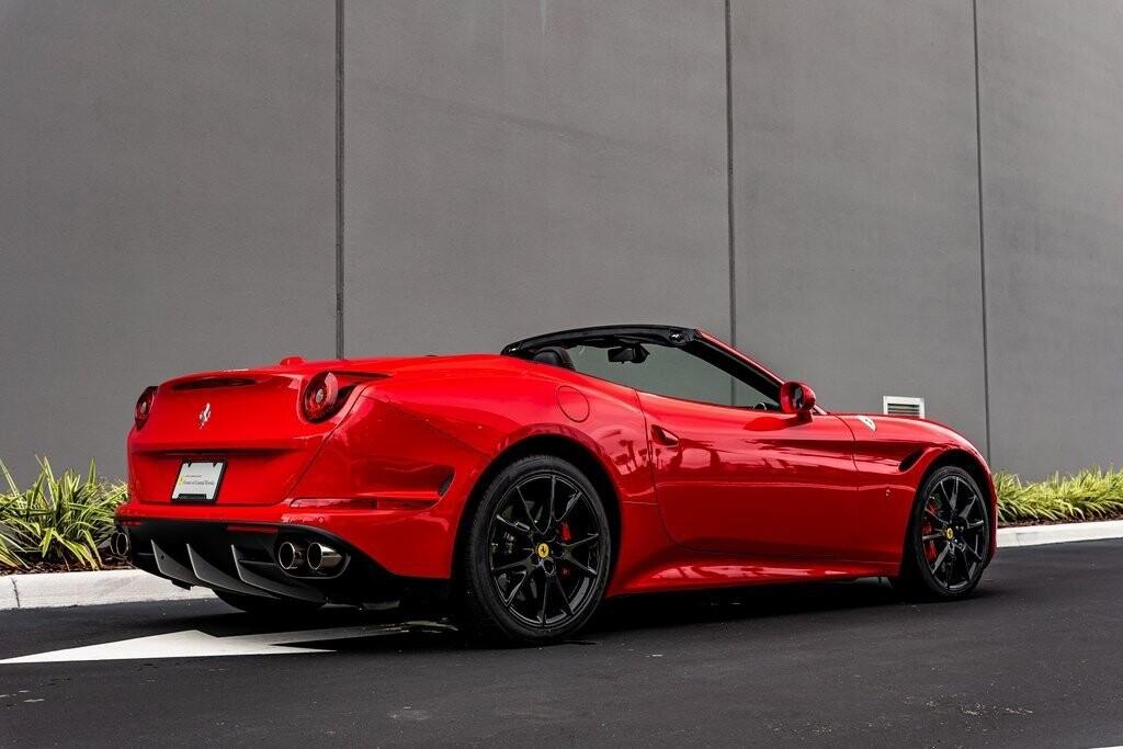 2017 Ferrari  California T image _61419adc055fb1.03196593.jpg