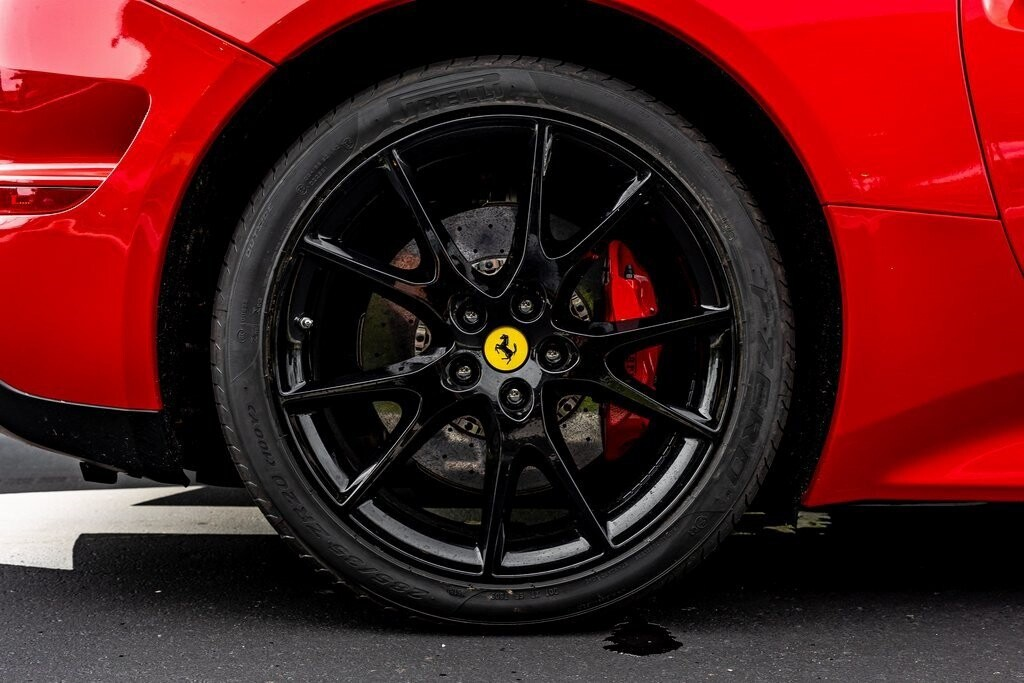 2017 Ferrari  California T image _61419add8a86e0.71183872.jpg