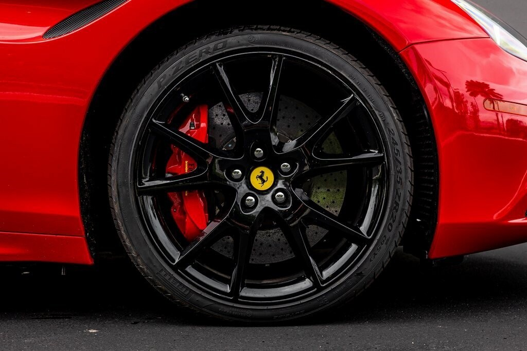 2017 Ferrari  California T image _61419adde35b34.22857931.jpg