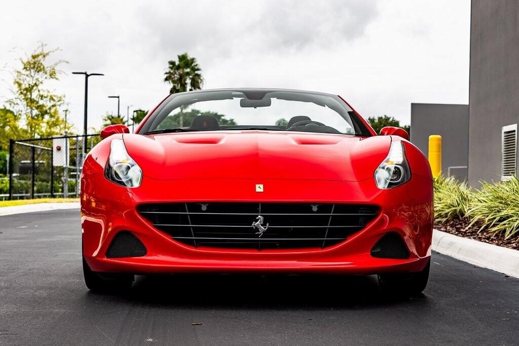 2017 Ferrari  California T image _61419adec296b4.73116497.jpg