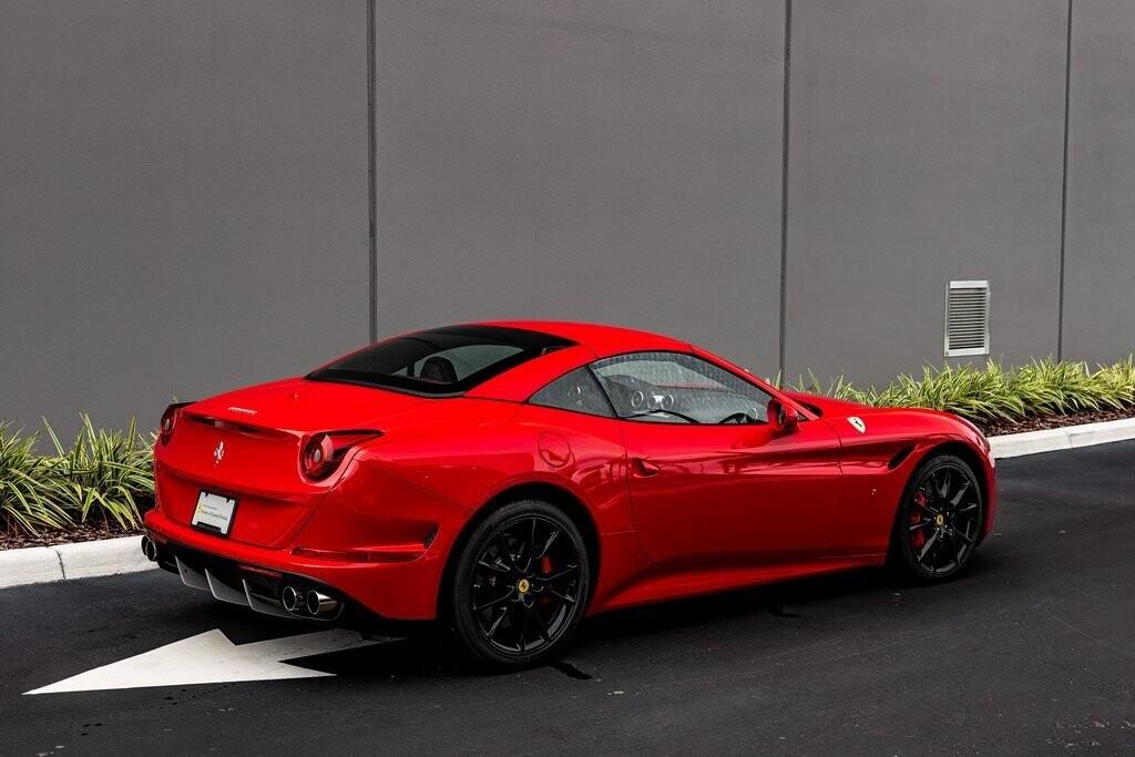 2017 Ferrari  California T image _61419adf2db4e8.33714192.jpg