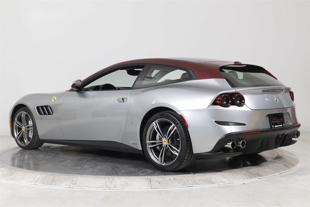 2018 Ferrari GTC4Lusso image _61419b3281f5c3.04877030.jpg