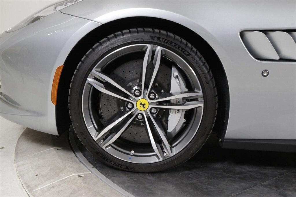 2018 Ferrari GTC4Lusso image _61419b4ce879f9.62102513.jpg