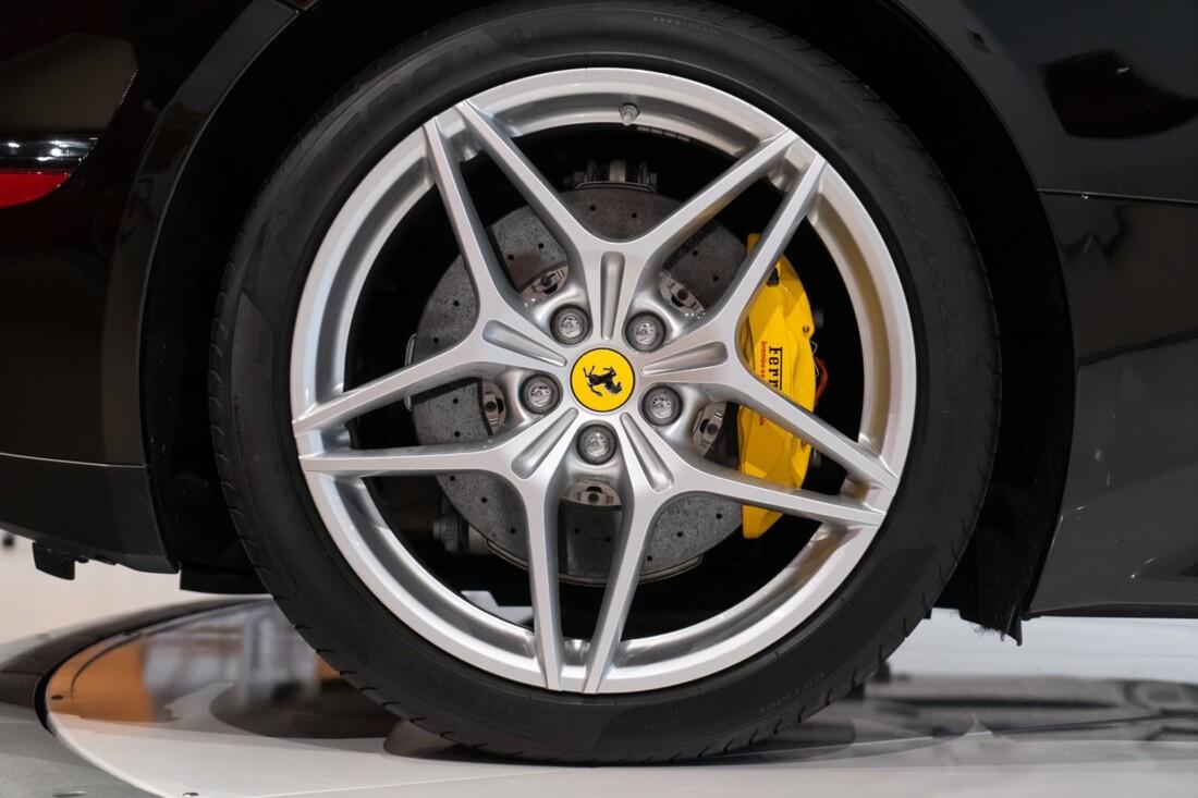 2016 Ferrari  California image _6142ebc99455c8.10769645.jpg